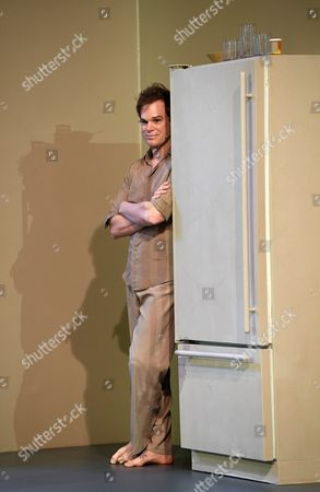 Us Actor Michael C Hall Takes a Break During Rehearsals of the 'Life on Mars' Scene of the 'Lazarus' Play at the Kings Cross Theatre in London Britain 03 November 2016 'Lazarus' was Written by the Late British Musician David Bowie and the Irish Playwright Enda Walsh the Production Inspired by the Novel 'The Man who Fell to Earth' was Directed by the Belgian Theater Director Ivo Van Hove United Kingdom London