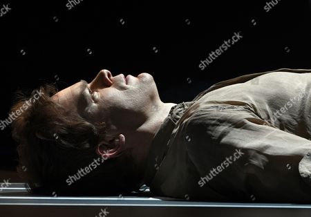 Us Actor Michael C Hall Performs the 'Life on Mars' Scene of the 'Lazarus' Play at the Kings Cross Theatre in London Britain 03 November 2016 'Lazarus' was Written by the Late British Musician David Bowie and the Irish Playwright Enda Walsh the Production Inspired by the Novel 'The Man who Fell to Earth' was Directed by the Belgian Theater Director Ivo Van Hove United Kingdom London