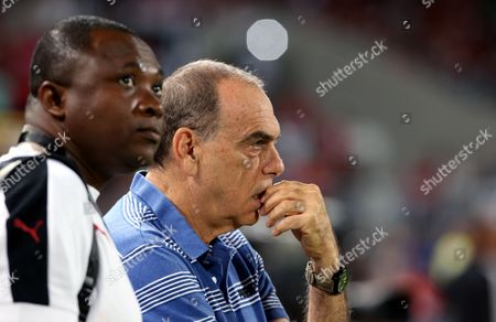 Ghana Coach Avram Grant (r) During the 2018 Fifa World Cup Qualifying Soccer Match Between Egypt and Ghana at Borg Al Arab Stadium in Alexandria Egypt 13 November 2016 Egypt Alexandria