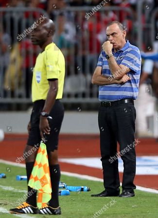 Ghana Coach Avram Grant During the 2018 Fifa World Cup Qualifying Soccer Match Between Egypt and Ghana at Borg Al Arab Stadium in Alexandria Egypt 13 November 2016 Egypt Alexandria