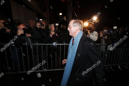 Former French Interior Minister Claude Gueant Arrives at Nicolas Sarkozy's Headquarters on Election Night During the First Round of the French Right Wing Party 'Les Republicains' (lr) Primaries in Paris France 20 November 2016 the Second Round Will Be on 27 November 2017 Voters Are Choosing Between France's Seven Centre-right Presidential Candidates the Winner of Which Will Contest the French Presidential Elections on 23 April and 07 May 2017 France Paris