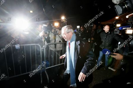 Former French Interior Minister Claude Gueant (c) Arrives at Nicolas Sarkozy's Headquarters on Election Night During the First Round of the French Right Wing Party 'Les Republicains' (lr) Primaries in Paris France 20 November 2016 the Second Round Will Be on 27 November 2017 Voters Are Choosing Between France's Seven Centre-right Presidential Candidates the Winner of Which Will Contest the French Presidential Elections on 23 April and 07 May 2017 France Paris