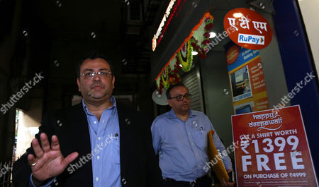 Cyrus Mistry Former Chairman of Tata Sons Walks in the Alleys After Attending a Meeting at the Company's Head Office in Mumbai India 26 October 2016 Ratan Tata Assumed Charge As Interim Chairman After the Tata Sons Board Sacked Its Chairman Cyrus Mistry on 24 October India Mumbai