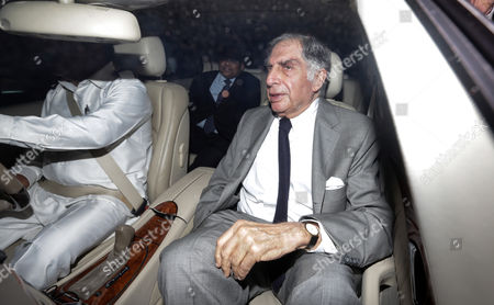 Ratan Tata (r) the Interim Chairman of Tata Sons Leaves After Attending a Meeting at the Bombay House Head Office of the Company in Mumbai India 17 November 2016 According to Reports the Board of Tata Consultancy Services (tcs) and Tata Son's Met on 17 November For the First Time to Decide the Date For an Extraordinary General Meeting (egm) to Oust Its Fromer Chariman Cyrus Mistry As Director Ratan Tata Assumed Charge As Interim Chairman After the Tata Sons Board Sacked Its Chairman Cyrus Mistry on 24 October India Mumbai