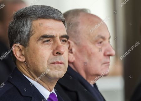 Bulgarian President Rosen Plevneliev (l) with the President of Moldova Nicolae Timofti (r) During the Official Welcome Ceremony at the State Residence in Chisinau Moldova on 15 November 2016 President Plevneliev is on a Visit to Moldova Moldova, Republic of Chisinau
