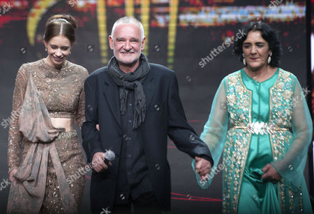 Hungarian Director and President of the Jury Bela Tarr (c) Moroccan Actress Fatima Harrandi (r) and Indian Actress Kalki Koechlin (l) Attend the Opening Ceremony of the 16th International Marrakech Film Festival in Marrakesh Morocco 02 December 2016 Morocco Marrakesh