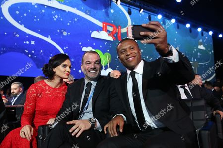 Brazilian Soccer Player Julio Baptista (r) Takes a Selfie with Fabiano Prata Farah (c) and Former Russian Pole Vaulter Yelena Isinbayeva (l) After the Draw of the Fifa Confederations Cup 2017 in Kazan Russia 26 November 2016 Russian Federation Kazan
