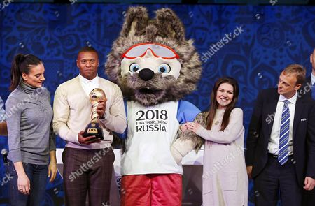 (l-r) Former Russian Pole Vaulter Yelena Isinbayeva Brazilian Soccer Player Julio Baptista Zabivaka the Official Mascot of the Fifa World Cup 2018 Russian Singer Dean Garipova and Fifa Director of Competitions Colin Smith Attend a Rehearsal of the Draw of the Fifa Confederations Cup 2017 in Kazan Russia 25 November 2016 the Draw of the Fifa Confederations Cup 2017 Will Take Place on 26 November 2016 Russian Federation Kazan