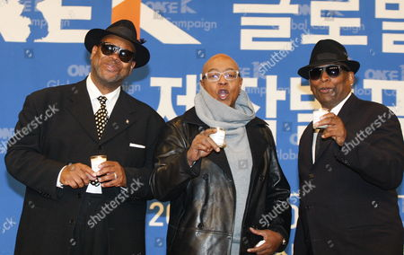 Us Producer Jimmy Jam (l) Us Pop Singer Peabo Bryson (c) and Us Producer Terry Lewis (r) Pose For Photographs During a Press Conference Promoting the Production of the One K Global Campaign Song at Sangam Ytn Media Hall in Seoul South Korea 08 December 2016 the Campain Seeks to Raise Awareness of Korean Reunification Efforts and Promote Regional Stability Through Cultural Exchange and Music Korea, Republic of Seoul