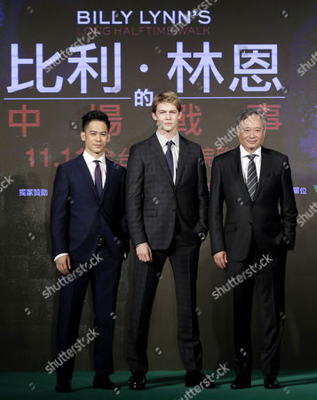 (l-r) Taiwanese-american Actor Mason Lee British Actor Joe Alwyn and Taiwanese Director Ang Lee Pose For Photographs During the Asian Premiere of the Movie 'Billy Lynn's Long Halftime Walk' in Taipei Taiwan 02 November 2016 Taiwan Taipei