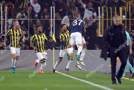 Fenerbahce Istanbul's Moussa Sow (c-back) Celebrates His Goal with Teammates (l) at the Uefa Europa League Group a Match Between Fenerbahce Istanbul and Manchester United in Istanbul Turkey 03 November 2016 Turkey Istanbul