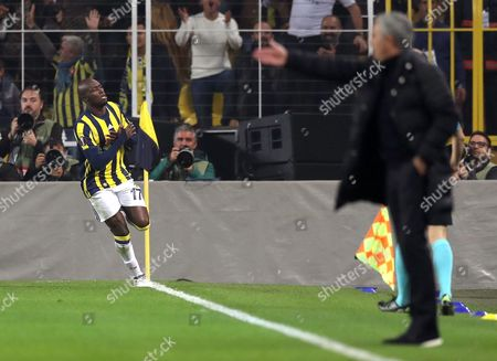 Fenerbahce Istanbul's Moussa Sow Celebrates His Goal (l) at the Uefa Europa League Group a Match Between Fenerbahce Istanbul and Manchester United in Istanbul Turkey 03 November 2016 Turkey Istanbul
