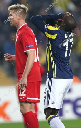 Zorya Luhansk's Moussa Sow (r) Reacts During the Uefa Europa League Group a Match Between Fenerbahce Istanbul and Zorya Luhansk in Istanbul Turkey 24 November 2016 Turkey Istanbul