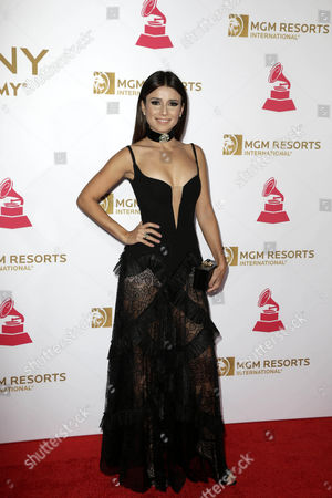 Stock Picture of Brazilian Singer Paula Fernandes Arrives on the Red Carpet For the 2016 Latin Recording Academy Person of the Year Gala at Mgm Grand Garden Arena in Las Vegas Nevada Usa 16 November 2016 the Gala is Celebrating Us Artist Marc Anthony For His Artistic Social Contributions to the Latin Music and Culture United States Las Vegas