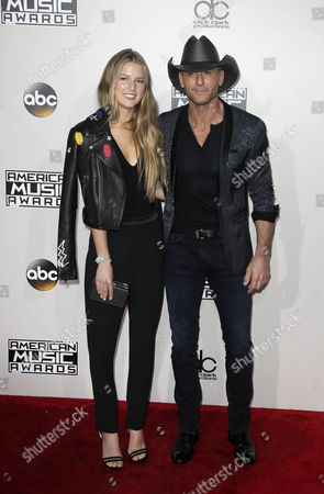 Stock Picture of Maggie Mcgraw (l) and Tim Mcgraw Arrive For the 2016 American Music Awards at the Microsoft Theatre in Los Angeles California Usa 20 November 2016 United States Los Angeles