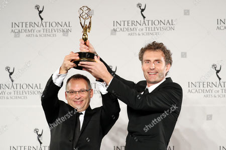 British Producer Derek Wax (l) and Director Euros Lyn (r) Hold the International Emmy Award For Tv Movie / Mini-series For 'Capital' During the 44th International Emmy Awards in New York New York Usa 21 November 2016 United States New York