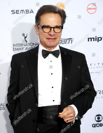 Us Actor Peter Scolari Arrives on the Red Carpet For the 44th International Emmy Awards in New York New York Usa 21 November 2016 United States New York