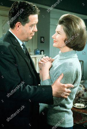 Stock Image of 'Gideon's Way' - John Gregson and Daphne Anderson.