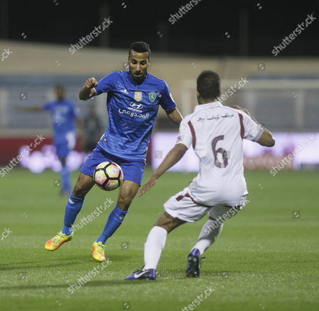 Al-Fateh player Nooh Al-Mussa (L) in action for the ball with Al-Faisaly player Omar Abdulaziz (R) during the Saudi Professional League soccer match between Al-Fateh and Al-Faisaly at Prince Abdullah bin Jalawi Stadium, Al-Hasa, Saudi Arabia, 27 January 2017.