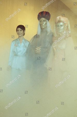 'Space 1999'  - 'Missing Link' -  Zienia Merton, Peter Cushing and Joanna Dunham