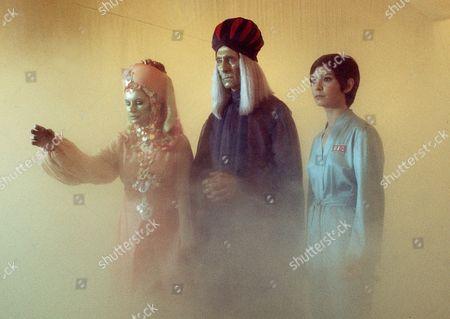 'Space 1999'  - 'Missing Link' - Joanna Dunham, Peter Cushing and Zienia Merton