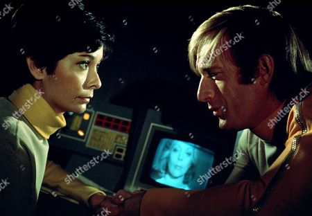 'Space 1999' Series 2 -- 'Seed of Destruction' - Zienia Merton and Nick Tate