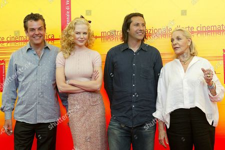 British Director Jonathan Glazer (2nd R) with His Cast (l-r) Danny Houston Nicole Kidman and Lauren Bacall During a Press Conference to Promote His Film 'Birth' That Will Be Shown in Contest at Venice Film Festival Wednesday 08 September 2004 Italy Venice