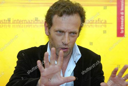 Actor Stephane Freiss at the Presentation of '5x2 (cinq Fois Deux)' by Francois Ozon at the Palace of Cinema at Lido Di Venezia Thursday 02 September 2004 on the Occasion of 6th International Exhibition of Cinema Art Better Known As Venice Film Festival Italy Venice