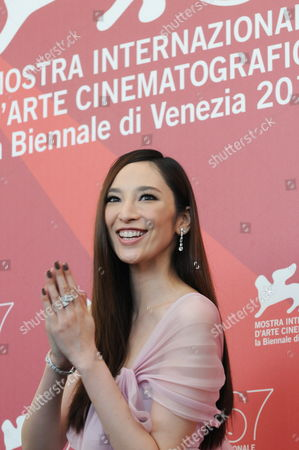 Stock Image of Chinese Actress Pace Wu Poses During the Photocall For His Movie 'Jianyu (reign of Assassins)' at the 67th Annual Venice Film Festival in Venice Italy 03 September 2010 the Movie by Chinese Director John Woo is Presented out of Competition at the Festival Running From 01 to 11 September Italy Venice