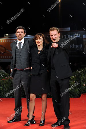 German Actors/cast Members Sebastian Schipper (l-r) Sophie Rois and Devid Striesow Arrive For the Premiere of the Movie 'Drei' at the 67th Annual Venice Film Festival in Venice Italy 10 September 2010 the Movie by German Director Tom Tykwer is Presented in the International Competition 'Venezia 67' at the Festival Running From 01 to 11 September Italy Venice
