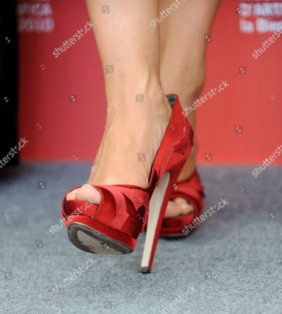 View of the Shoes of Italian Actress/cast Member Carolina Crescentini As She Poses During a Photocall For the Controcampo Italiano Award That was Granted to the Movie '20 Sigarette' by Italian Director Aureliano Amadei at the 67th Annual Venice Film Festival in Venice Italy 09 September 2010 Cast Member Vinicio Marchioni was Also Awarded a Special Mention by the Controcampo Italiano Jury the Festival Runs From 01 to 11 September Italy Venice