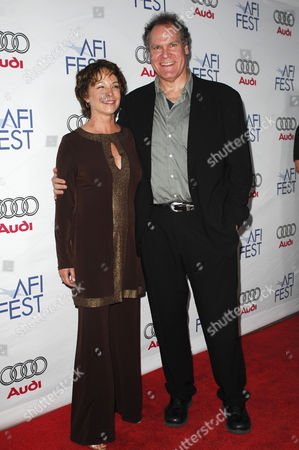 Kathleen Quinlan and Jay O Sanders