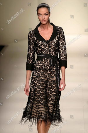 Maria Carla Boscono Wears a Proposal by La Perla During the Spring-summer 2006 Fashion Show in Milan Tuesday 27 September 2005 Italy Milan