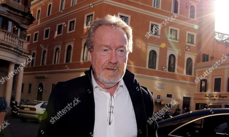 Stock Image of British Director Ridley Scott Poses Prior to the Press Conference For the Italian Premiere of the His Film 'Body of Lies' in Rome Italy 05 November 2008 the Movie Based on the Novel by Washington Post Journalist David Ignatius Tells the Story of Cia Agent Roger Ferris who is Involved in the Fight Against Terrorism Italy Rome