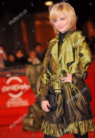 Stock Image of Actress Mena Suvari Poses on the Red Carpet at Rome's Park of the Music Auditorium For the Screening of the Film 'The Garden of Eden' Directed by John Irvin Late 26 October 2008 at the 3rd Rome International Film Festival Italy Rome
