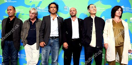 The Jury who Will Evaluate the Movies in the Competition For the 64th Venice Cinema Movie Poses in Venice Italy 29 August 2007 (l-r) Ferzan Ozpetek Paul Verhoeven Alejandro Gonzalez Inarritu Emanuele Crialese Zang Yimou (president) and Catherine Breillat Italy Venezia
