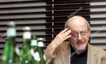Stock Photo of U S Writer Edgar Laurence Doctorow Attends a Press Conference in Rome on 11 June 2007 on the Eve of His Reading at the Festival of Literatures in Ancient Roman Basilica Di Massenzio E L Doctorow is the Author of Several Critically Acclaimed Novels That Blend History and Social Criticism Although He Had Written Books For Years It was not Until the Publication of the Book of Daniel in 1971 That He Obtained Acclaim His Next Book Ragtime was a Commercial and Critical Success: After Receiving the National Book Critics Circle Award For Fiction and the Arts and Letters Award It was Transformed Into a Film by Milos Forman in 1980 and a Musical in 1998 Italy Rome