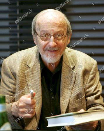 U S Writer Edgar Laurence Doctorow Attends a Press Conference in Rome on 11 June 2007 on the Eve of His Reading at the Festival of Literatures in Ancient Roman Basilica Di Massenzio E L Doctorow is the Author of Several Critically Acclaimed Novels That Blend History and Social Criticism Although He Had Written Books For Years It was not Until the Publication of the Book of Daniel in 1971 That He Obtained Acclaim His Next Book Ragtime was a Commercial and Critical Success: After Receiving the National Book Critics Circle Award For Fiction and the Arts and Letters Award It was Transformed Into a Film by Milos Forman in 1980 and a Musical in 1998 Italy Rome