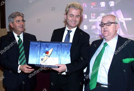 (l-r) Armando Manocchia Member of 'Unaviaxoriana' Association Dutch Politician Geert Wilders and Italian Member of the European Parliament Mario Borghezio Pose For a Picture in Rome Italy on 19 February 2009 Wilders Received the Oriana Fallaci Award Italy Rome