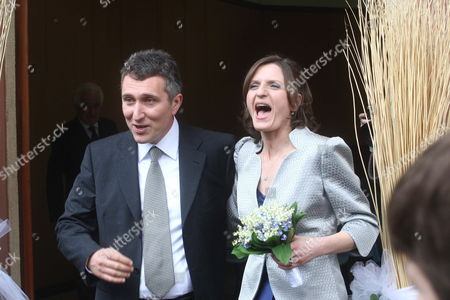Stock Image of Marinella Brambilla Secretary of Prime Minister Silvio Berlusconi and the Husband Luca Pandolfi 24 April 2010 After Their Wedding at Lesmo Italy Veronica Lario Berlusconi's Wife and Her Daughters Barbara and Eleonora Berlusconi Were Among the Guests Italy Monza