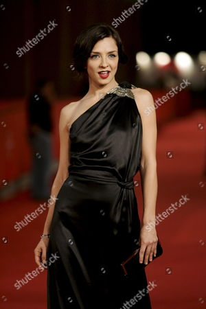 The Italian Actress Miryam Catania Poses For a Photo on the Red Carpet Prior the Screening of the Film 'L' Uomo Privato' ('the Private Man') by Italian Director Emidio Greco in Rome Italy 24 October 2007 the Film is Presented During the 2nd Edition of the Rome Film Fest in Rome It is About a Charming Socially and Professionally Well-known University Professor in His 40s is Sought After by Numerous Women of Whom He is Somewhat Wary a Fierce Individualist He Places a Barrier Between Himself and Reality and Does not Hesitate to Repress His Own Feelings and Sacrifice Those of Others Even Ending His Relationship with Silvia For No Logical Reason However Destiny Overturns the Rules Safeguarding His Private Life: the Only Note Found in the Pocket of a Young Male Student in Turin who Committed Suicide Contains the Professor's Phone Number and Address Reality Held So Long at Bay Invades His Private Life Turning It Inside out Epa/claudio Onorati Italy Roma