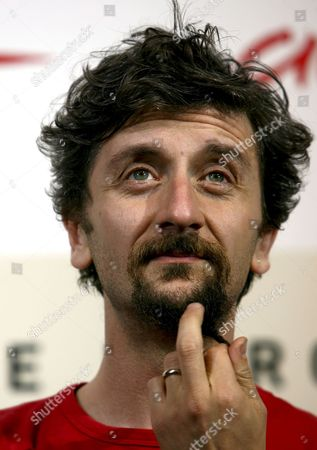 Italian Director Ascanio Celestini Gestures During Prior to the Press Conference For His Movie 'Parole Sante' at the 2nd Edition of the Rome Film Festival in Rome Italy 26 October 2007 'Parole Sante' Tells the Story of the Army of 'Flexible' Employees who Work in the Call Center of a Major Telecommunications Company in Rome's Cinecitta Italy Rome