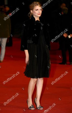 French Actress Melanie Laurent Poses For a Photo on the Red Carpet Prior to the Screening of the Film 'L'amour Cache' by Italian Director Alessandro Capone at Rome Film Festival in Rome Italy 20 October 2007 the Festival Runs Until 27 October 2007 Italy Rome