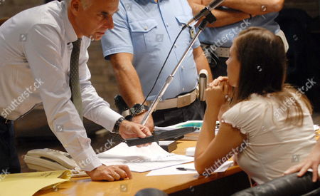 Lawyer Carlo Della Vedova Displays the Alleged Knife of the Murder to Twenty-one-year-old Us Student Amanda Marie Knox in the Court During Her Trial in Perugia Italy on 19 September 2009 British Exchange Student Meredith Kercher 22 was Found with Her Throat Slashed on 02 November 2007 in the House She Shared in Perugia with Three Other Girls Police Later Arrested Kercher's Flatmate Amanda Marie Knox and Her Then 24-year-old Italian Boyfriend Raffaele Sollecito Italy Perugia