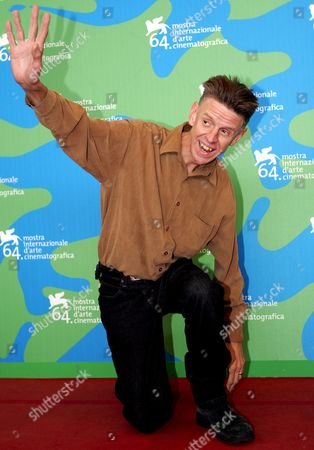The English Director Alex Cox Poses at the End of Press Conference of Presentation of 'Searches 2 0' a Alex Cox's Movie in Concourse For the Venice Film Festival in Venice Italy 31 August 2007 Italy Venice