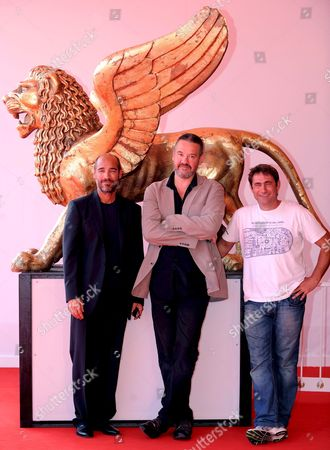 French Director Arnaud Des Pallieres (c) Spanish Actor Sergi Lopez (r) and French-us Actor and Director Jean-marc Barr (l) Pose For Photographers on the Red Carpet Before Screening of the Movie 'Parc' Running in Competition at the 65th International Venice Film Festival 03 September 2008 in Venice Italy the Festival is Scheduled For 27 August to 06 September 2008 Italy Venezia