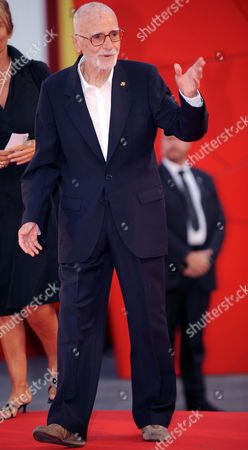 Italian Movie Director Mario Monicelli Arrives at the Premiere of 'Baaria' During the 66th Venice Film Festival at the Cinema Palace in Venice Italy 02 September 2009 Italian Director Giuseppe Tornatore's 'Baaria ' Presented in the Official Competition is the Opening Film of the Festival Running From 02 to 12 September Italy Venice