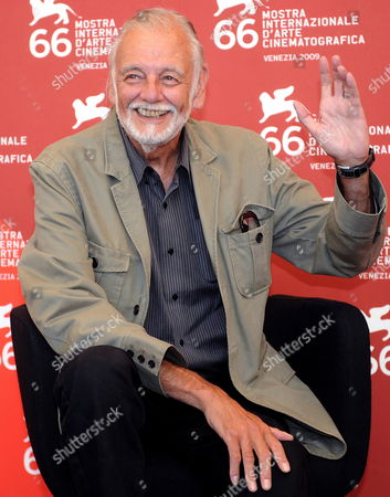 Us Director George a Romero Poses During the Photocall For His Film 'Survival of the Dead' Presented in Competition at the Venice Film Festival in Venice Italy 09 September 2009 Italy Venice