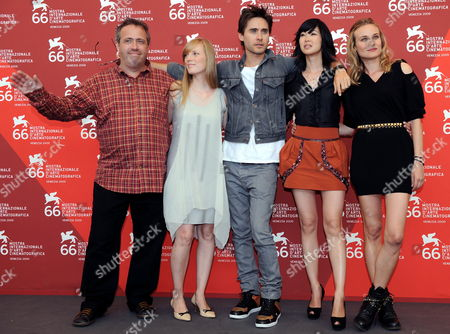 (l-r) Belgian Director Jaco Van Dormael Poses with Cast Members Canadian Actress Sarah Polley Us Actor Jared Leto Vietnamese Actress Linh-dan Pham and German Actress Diane Kruger During a Photocall For the Film 'Mr Nobody' During the 66th Venice Film Festival in Venice Italy 11 September 2009 the Movie is Presented in the Official Competition at the Festival Running From 02 to 12 September Italy Venice
