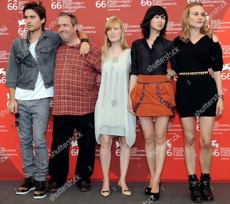Belgian Director Jaco Van Dormael (2-l) Poses with Cast Members (l-r) Us Actor Jared Leto Canadian Actress Sarah Polley Vietnamese Actress Linh-dan Pham and German Actress Diane Kruger During a Photocall For the Film 'Mr Nobody' During the 66th Venice Film Festival in Venice Italy 11 September 2009 the Movie is Presented in the Official Competition at the Festival Running From 02 to 12 September Italy Venice